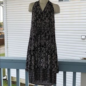 New never worn Halter style dress black and white